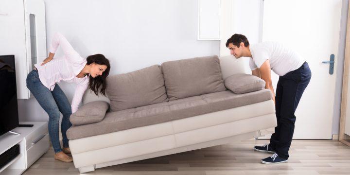 ソファーがズレる・・。ソファーを滑らないようにするポイントや方法